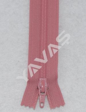 070 YKK Vislon Kunststoff Reißverschluss nicht teilbar  altrosa